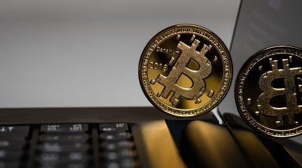 Bitcoin Guide: Part 1 - Bitcoin Investing: Is Bitcoin a Good Investment and How Much Should I Invest in Bitcoin?