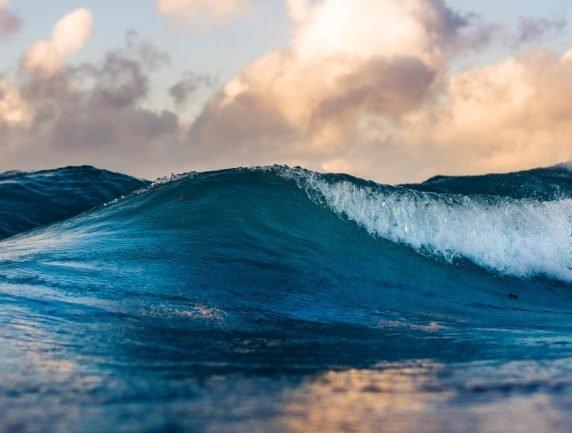 Market Taking Wave 3 in Stride; Further Upside for Epicenter