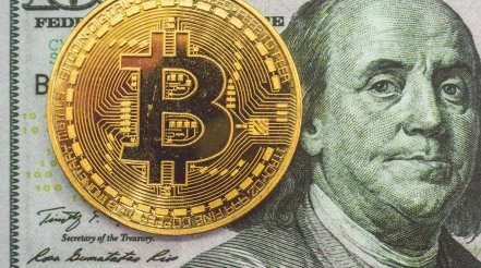 Crypto analyst warns of weekend tumble, as bitcoin bull points to 'daisy chain of borrowers and lenders'